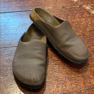 Birkenstock's clogs brown leather size 7